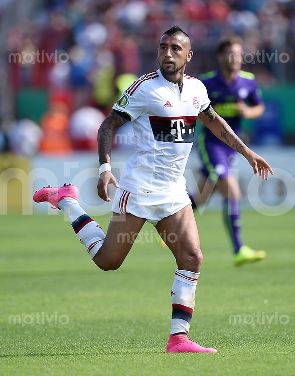 Fussball  DFB Pokal  2014/2015  1. Runde  09.08.2015 in Karlsruhe FC Noettingen - FC Bayern Muenchen Arturo Vidal (FC Bayern Muenchen)