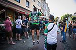im Bild: Jubel / im Viertel in und um die Gaststätte Wirtshaus feiern Fans des SV Werder das Erreichen der Relegation, <br /><br /><br />Sport: nphgm001: Fussball: 1. Bundesliga: Saison 19/20: 34. Spieltag: SV Werder Bremen vs 1.FC Koeln 27.06.2020 <br /><br />Foto: Rauch/gumzmedia/nordphoto<br /><br />EDITORIAL USE ONLY