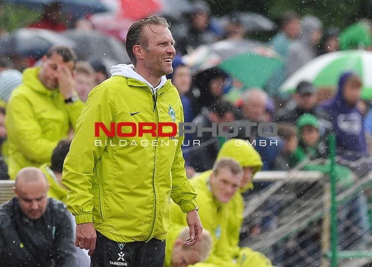 14.05.2011, Platz 11, Bremen, GER, 3.FBL, Werder Bremen II vs SV Wehen Wiesbaden, im Bild Thomas Wolter (Trainer Werder Bremen II)   Foto © nph / Frisch
