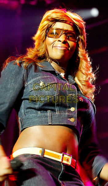 MARY J BLIGE.Live at The Heineken Music Hall,.Amsterdam, 23rd June 2004.www.capitalpictures.com.sales@capitalpictures.com.©Capital Pictures