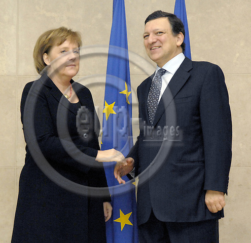 Brussels-Belgium - 07 0arch 2007---José (Jose) Manuel BARROSO (ri), President of the European Commission, receives Angela MERKEL (le), German Federal Chancellor and acting President of the European Council---Photo: Horst Wagner/eup-images