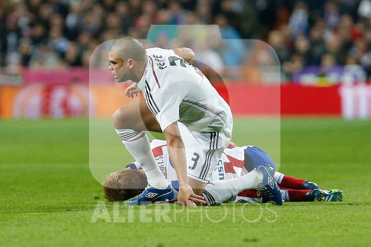 Real Madrid´s Pepe during Spanish King´s Cup match at Santiago Bernabeu stadium in Madrid, Spain. January 15, 2015. (ALTERPHOTOS/Victor Blanco)