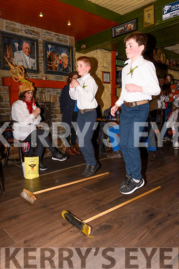 Braving the wind & rain of Storm Ciara on Saturday the Glenbeigh Falcons Biddys came out to The Towers Hotel, Glenbeigh to entertain with their traditional music and dance
