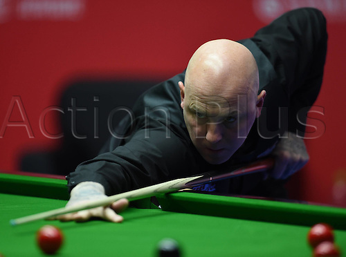 01.04.2016. Beijing, China.  Mark King of England takes a shot during the match against Judd Trump of England at the 2016 World Snooker China Open in Beijing, capital of China, April 1, 2016.