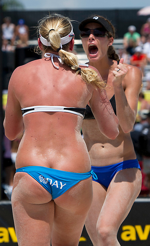 St. Petersburg, FL: TRACI MORIN celebrates with partner Sarah Day after their day two win over #12 seed Harris / Wallin in the 2013 AVP Pro Volleyball Tour stop in St. Petersburg.(Photo by Andrew Patron)