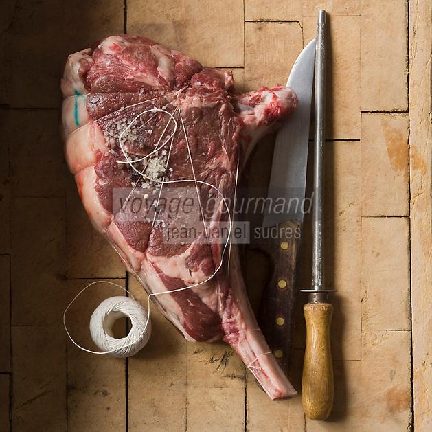 Europe/France/Aquitaine/40/Landes/Dax: Côte de Boeuf de Chalosse de la Boucherie: Maison Aimé - Stylisme : Valérie LHOMME //  France, Landes, Dax, cote Beef fat Chalosse the Butcher house Aime