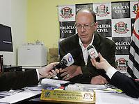 SAO PAULO - SP - 12 DE JULHO DE 2013 - ASSALTO HOTEL, por volta de 15:30hs tres assaltantes tentaram roubar um turista espanhol que havia sacado 15 mil reais e voltava ao hotel, quando foi abordado pelos ladroes. Dr Walter Sergio de Abreu, delegado titular do 15DP.  FOTO: MAURICIO CAMARGO / BRAZIL PHOTO PRESS.