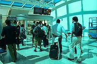 RIO DE JANEIRO, RJ, 20 AGOSTO 2012 - MOVIMENTO DE EMBARQUE NO AEROPORTO SANTOS DUMONT-Movimentacao de embarque no Aeroporto Santos Dumont, no centro do Rio de Janeiro.(FOTO:MARCELO FONSECA / BRAZIL PHOTO PRESS).