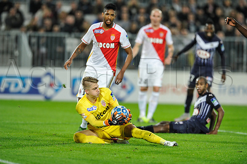 16.12.2015. Bordeaux, France. French League cup football from the Stade Chaban-Delmas. Bordeaux versus Monaco.  Wallace Fortuna (asm) assists keeper Paul Nardi (asm) in a save.