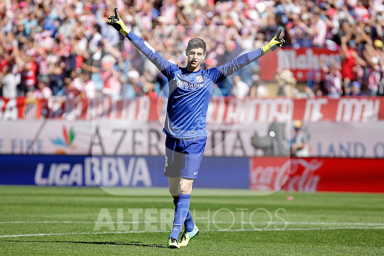 Atletico de Madrid´s goalkeeper Courtois during La Liga 2013/14 match. October 06, 2013. (ALTERPHOTOS/Victor Blanco)