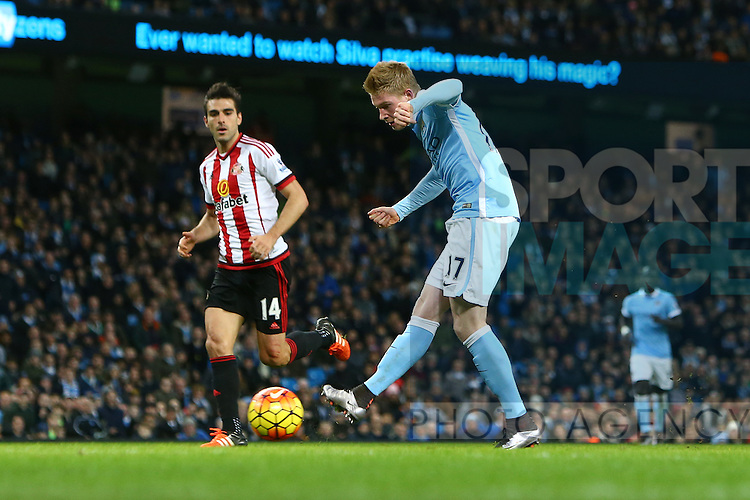 Kevin De Bruyne of Manchester City scores his sides fourth goal - Manchester City vs Sunderland - Barclays Premier League - Etihad Stadium - Manchester - 26/12/2015 Pic Philip Oldham/SportImage
