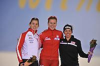 SCHAATSEN: SALT LAKE CITY: Utah Olympic Oval, 16-11-2013, Essent ISU World Cup, 1500m, Division B, Brittany  Schussler (CAN), Natalia  Czerwonka (POL), Jilleanne  Rookard (USA), ©foto Martin de Jong