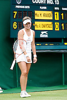29-6-07,England, Wimbldon, Tennis, Michaella Krajicek laat haar racket zweven als ze een breakpunt verspeeld