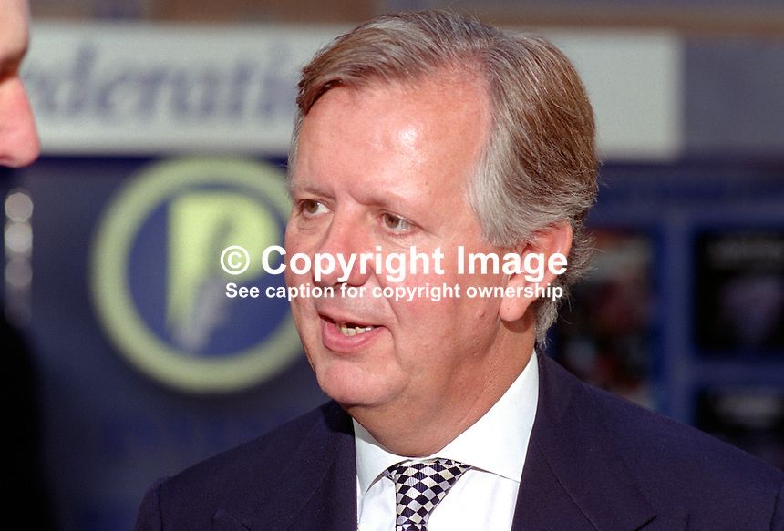 Stephen Norris, MP, Conservative Party, UK, 199510123..Copyright Image from Victor Patterson, 54 Dorchester Park, Belfast, UK, BT9 6RJ..Tel: +44 28 9066 1296.Mob: +44 7802 353836.Voicemail +44 20 8816 7153.Skype: victorpattersonbelfast.Email: victorpatterson@me.com.Email: victorpatterson@ireland.com (back-up)..IMPORTANT: If you wish to use this image or any other of my images please go to www.victorpatterson.com and click on the Terms & Conditions. Then contact me by email or phone with the reference number(s) of the image(s) concerned.
