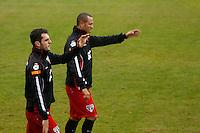 COTIA, SP, 25 DE JUNHO DE 2013. TREINO SPFC. o jogadores Maicon e  Luis Fabiano durante treino do time do SPFC no Centro de Treinamento de  Cotia.  FOTO ADRIANA SPACA/BRAZIL PHOTO PRESS