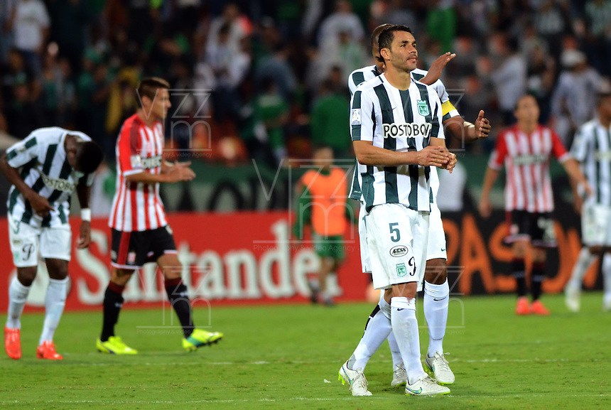 MEDELLIN -COLOMBIA, 5-MARZO-2015. Alvaro Najera jugador  del Atletico Nacional saluda a los aficionados al finalizar el encuentro contra   Estudiantes de La Plata  durante  partido  de La Copa Bridgestone Libertadores grupo siete 2015  jugado en el estadio Atanasio Girardot de la ciudad de Medellin  . /  Alvaro Najera Atletico Nacional player greets fans after the match against Estudiantes de La Plata during game Bridgestone Libertadores Cup 2015 Group Seven played in the Atanasio Girardot stadium in Medellin City . /  Photo /VizzorImage / Leon Monsalve  / Stringer