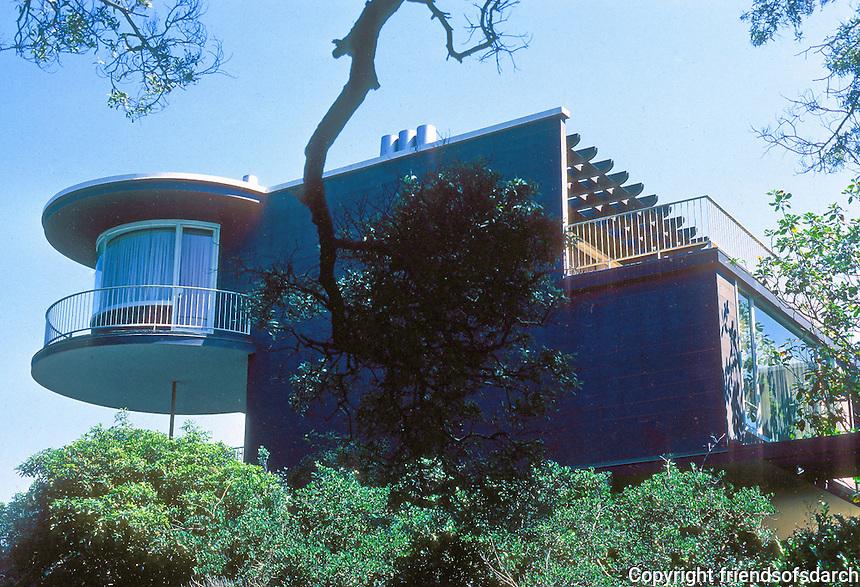 Erich Mendelsohn: House at 3778 Washington, San Francisco. Photo '78.