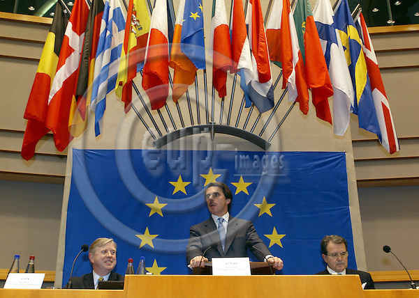 BRUSSELS, BELGIUM / 28 February 2002--The opening of the Convention on the future of the European Union in the EU-Parliament..The Prime Minister of Spain Jose Maria Aznar (C) with the President of the EU-Commission Romano Prodi (R) and the President of the EU-Parliament Pat Cox..PHOTO: JUHA ROININEN