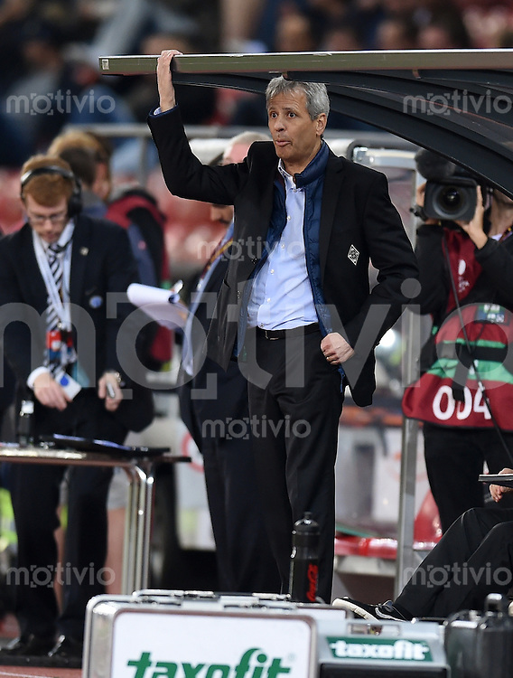 FUSSBALL   INTERNATIONAL   UEFA EUROPA LEAGUE   SAISON 2014/2015 FC Zuerich - VfL Borussia Moenchengladbach    02.10.2014 Trainer Lucien Favre (Borussia Moenchengladbach) nachdenklich an der Bank
