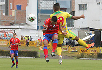 IPIALES - COLOMBIA, 20-08-2019: Franco Bolo del Pasto disputa el balón con Geovan Montes del Huila durante partido por la fecha 6 de la Liga Águila II 2019 entre Deportivo Pasto y Atlético Huila jugado en el estadio Estadio Municipal de Ipiales. / Franco Bolo of Pasto struggles the ball with Geovan Montes of Huila during match for the date 6 as part of Aguila League II 2019 between Deportivo Pasto and Atletico Huila played at Municipal stadium of Ipiales. Photo: VizzorImage / Leonardo Castro / Cont