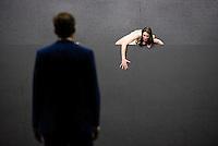 Berlin, Schauspielerin Constanze Becker in der Rolle der Medea und Schauspieler Viktor Tremmel als Bote am Freitag (03.05.13) bei einer Probe zum Theaterstück Medea unter der Regie von Michael Thalheimer in Berlin zur Veranstaltung 50 Jahre Theatertreffen.