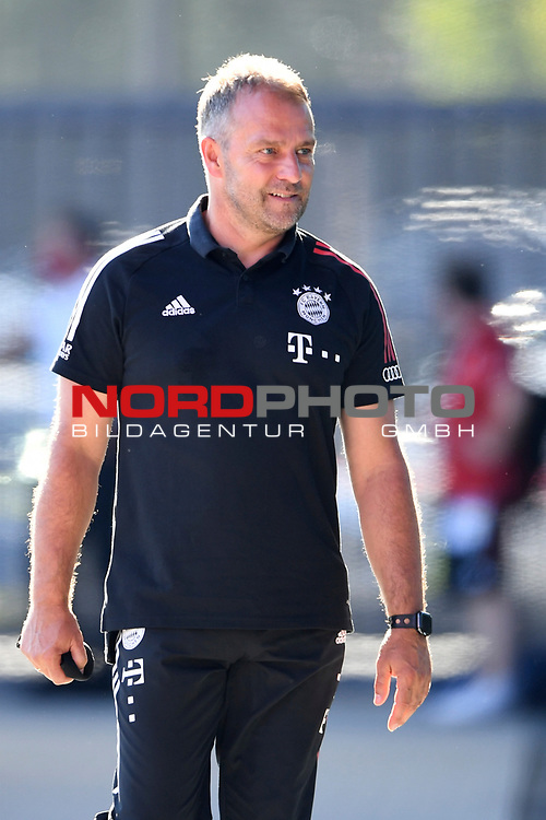 Trainer Hansi Flick (FC Bayern Muenchen) nach dem Spiel zufrieden.<br />Fussball  31.07.2020<br />Audi Football Summit 2020<br />FC Bayern Muenchen - Olympique Marseille<br /><br />FOTO: Markus Ulmer/Pressefoto Ulmer/Pool via nordphoto / Bratic<br /><br />Nur für journalistische Zwecke! Only for editorial use! <br />No commercial usage!