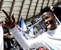 Calcio, Serie A: Roma, stadio Olimpico, 30 aprile 2017.<br /> Lazio's Keita Balde celebrates after winning the Italian Serie A football match between AS Roma an Lazio at Rome's Olympic stadium, April 30 2017.<br /> UPDATE IMAGES PRESS/Isabella Bonotto