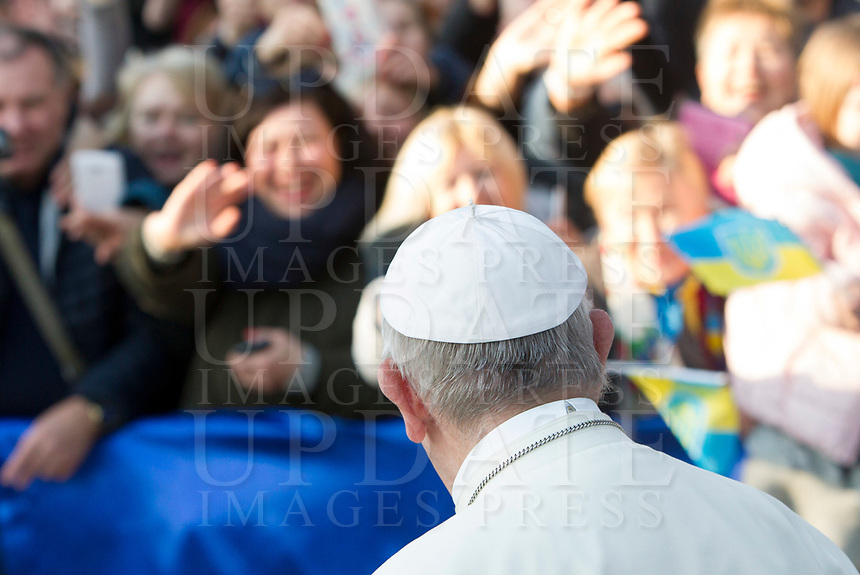 Pope Francis arrives at the Basilica of Santa Sofia to visit the Ukrainian greek-catholic community, in Rome January 28, 2018.<br /> <br /> UPDATE IMAGES PRESS/Riccardo De Luca<br /> <br /> STRICTLY ONLY FOR EDITORIAL USE