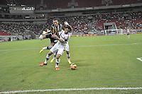 SÃO LOURENÇO DA MATA, PE,  07 DE JULHO DE 2013 - CAMPEONATO BRASILEIRO SÉRIE A - BOTAFOGO X FLUMINENSE -  Fred (C) do Fluminense durante partida contra o Botafogo em partida válida pela 6ª  rodada do campeonato brasileiro 2013 série A, na Itaipava Arena Pernambuco, neste domingo (07), na região metropolitana da cidade do Recife. FOTO: LÍBIA FLORENTINO/ BRAZIL PHOTO PRESS