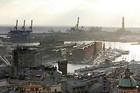 Veduta di Genova, col porto antico sullo sfondo. Sulla destra, la Lanterna.<br /> Cityscape of Genoa, with the old port on background. At right, the Lanterna.<br /> UPDATE IMAGES PRESS/Riccardo De Luca