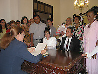 Feb 12 2003, Holguin, CUBA <br /> Cuban civil wedding in Holguin,<br /> Photo (c) 2004) P Roussel / Images Distribution