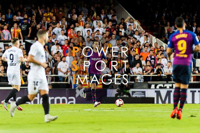 Sergio Busquets of FC Barcelona in action during their La Liga 2018-19 match between Valencia CF and FC Barcelona at Estadio de Mestalla on October 07 2018 in Valencia, Spain. Photo by Maria Jose Segovia Carmona / Power Sport Images