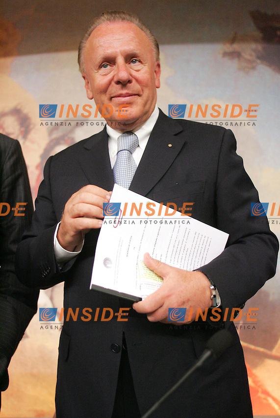 Ferruccio Dardanello<br /> Roma 27/06/2010 Memorandum d'intesa tra il Comitato nazionale per il microcredito e Unioncamere.<br /> Photo Samantha Zucchi Insidefoto