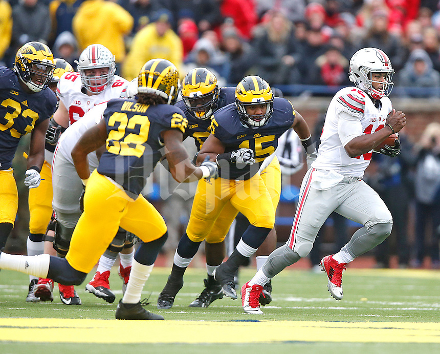 at Michigan Stadium on November 28, 2015. (Chris Russell/Dispatch Photo)