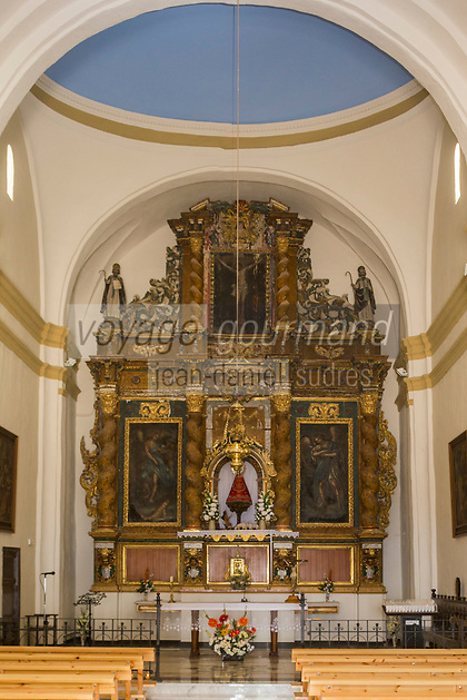 Europe, Espagne, Province de Saragosse, Aragon, env de Tauste: Sanctuaire de Sancho Abarca , l'autel et le choeur // Europe,Aragon, Spain, Province of Zaragoza, Aragon, Spain, near  Tauste: Church  Nuestra Señora de Sancho Abarca, choir and altar