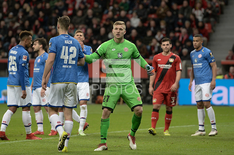 Football : Germany -1. Bundesliga  2017/18 <br /> Bayer Leverkusen 04 vs Mainz <br /> 28/01/2018 - Robin Zentner (FSV Mainz 05), Alexander Hack (FSV Mainz 05) *** Local Caption *** &copy; pixathlon<br /> Contact: +49-40-22 63 02 60 , info@pixathlon.de