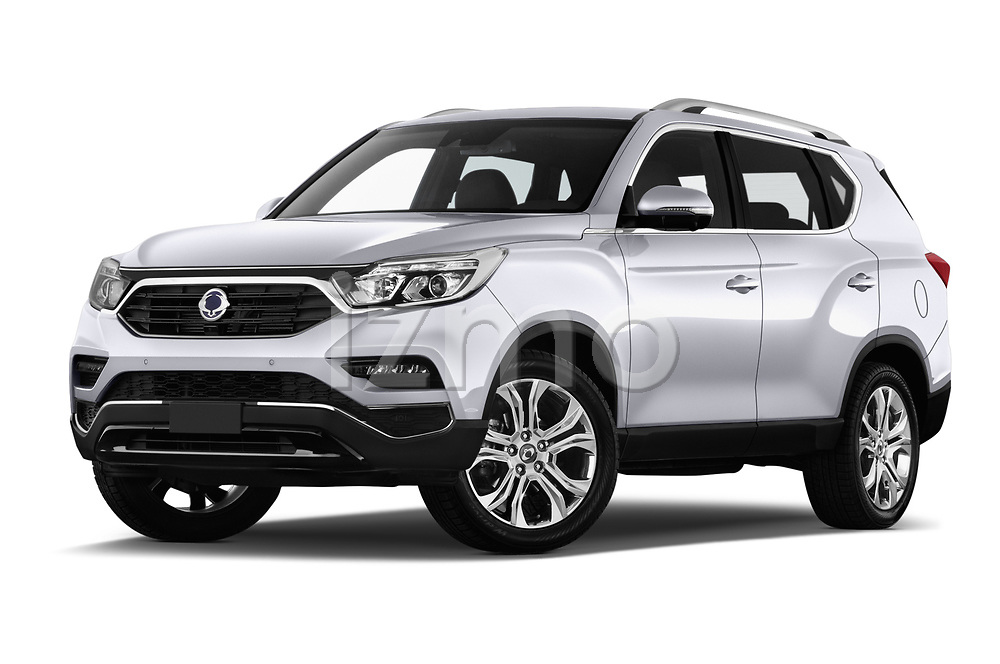 Stock pictures of low aggressive front three quarter view of a 2018 Ssangyong Rexton Sapphire 5 Door SUV