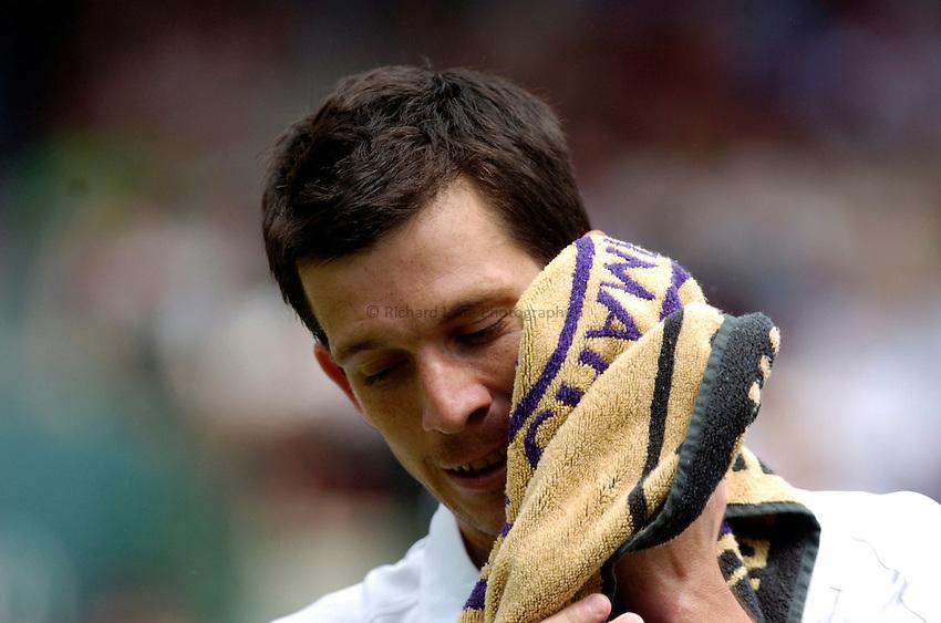 Photo: Richard Lane..Wimbledon Championships. 27/06/2006. .Great Britain's Tim Henman.