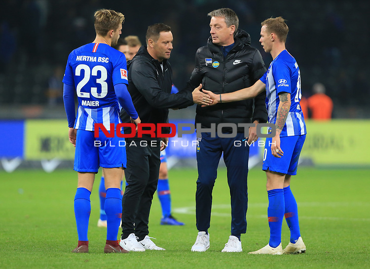 03.11.2018, OLympiastadion, Berlin, GER, DFL, 1.FBL, Hertha BSC VS. RB Leipzig, <br /> DFL  regulations prohibit any use of photographs as image sequences and/or quasi-video<br /> <br /> im Bild Cheftrainer (Head Coach) Pal Dardai (Hertha BSC Berlin), Co-Trainer Rainer Widmayer (Hertha BSC Berlin), Arne Maier (Hertha BSC Berlin #26), Ondrej Duda  (Hertha BSC Berlin #10)<br /> <br />       <br /> Foto © nordphoto / Engler