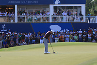David Lipsky (USA) on the 18th green during Round 4 of the DP World Tour Championship 2017, at Jumeirah Golf Estates, Dubai, United Arab Emirates. 19/11/2017<br /> Picture: Golffile | Thos Caffrey<br /> <br /> <br /> All photo usage must carry mandatory copyright credit     (© Golffile | Thos Caffrey)
