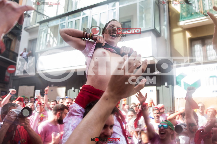 A reveller shows her breast as she enjoys the atmosphere during the opening day or 'Chupinazo' of the San Fermin IN Pamplona, Spain, on July 6, 2017.(ALTERPHOTOS/Rodrigo Jimenez) /NortePhoto.com