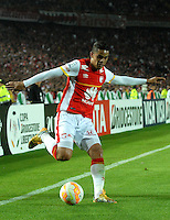 BOGOTA- COLOMBIA – 18-03-2015: Yulian Anchico, jugador del Independiente Santa Fe de Colombia, en acción durante partido entre Independiente Santa Fe de Colombia y Atletico Mineiro de Brasil, por la segunda fase, grupo 1, de la Copa Bridgestone Libertadores en el estadio Nemesio Camacho El Campin, de la ciudad de Bogota. / Yulian Anchico, player of Independiente Santa Fe of Colombia in action during a match between Independiente Santa Fe of Colombia and Atletico Mineiro of Brasil for the second phase, group 1, of the Copa Bridgestone Libertadores in the Nemesio Camacho El Campin in Bogota city. Photo: VizzorImage / Luis Ramirez / Staff.