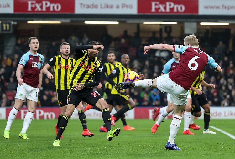Burnley's Ben Mee shoots at goal <br /> <br /> Photographer Andrew Kearns/CameraSport<br /> <br /> The Premier League - Watford v Burnley - Saturday 19 January 2019 - Vicarage Road - Watford<br /> <br /> World Copyright &copy; 2019 CameraSport. All rights reserved. 43 Linden Ave. Countesthorpe. Leicester. England. LE8 5PG - Tel: +44 (0) 116 277 4147 - admin@camerasport.com - www.camerasport.com