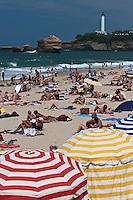 Europe/France/Aquitaine/64/Pyrénées-Atlantiques/Pays-Basque/Biarritz:La Grande Plage et   le Phare à la Pointe Saint-Martin