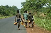 Young sagba fruit vendors on main road