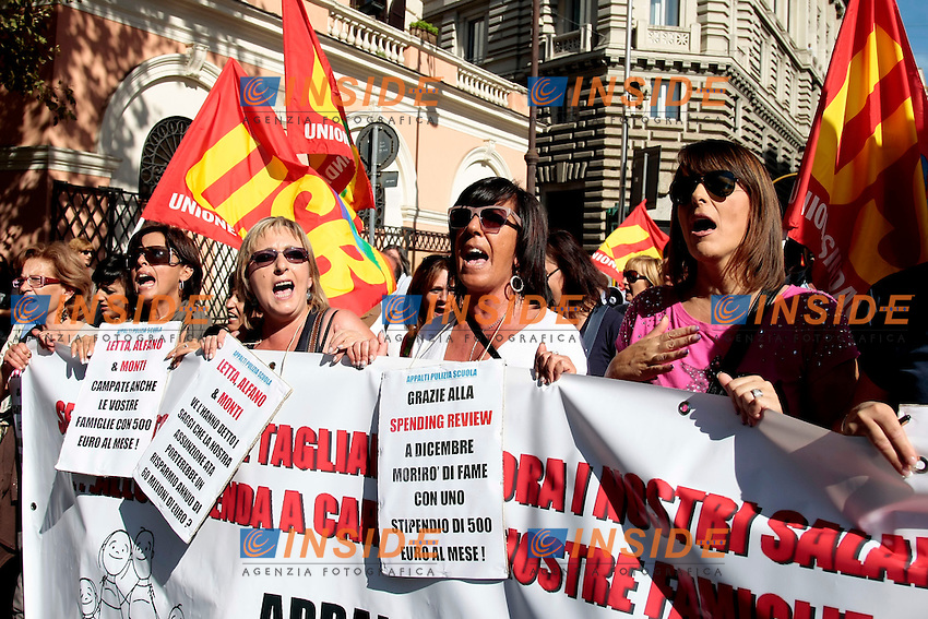 Donne<br /> Roma 18-10-2013 Manifestazione dei sindacati di base USB e COBAS in occasione dello sciopero nazionale dei lavoratori.<br /> Strike and demonstration of the Left Trade Unions<br /> Photo Samantha Zucchi Insidefoto