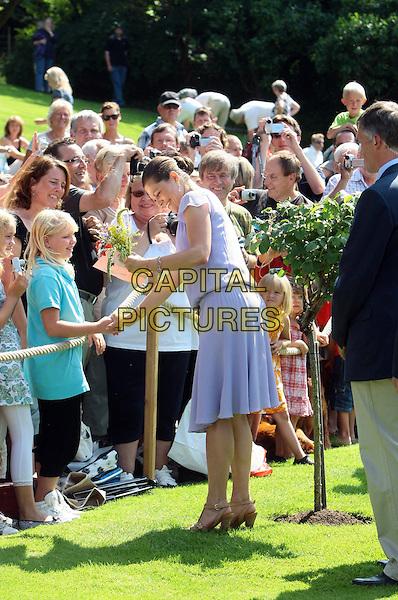 Kronprinzessin Victoria von Schweden, Victoriatag, 32. Geburtstag von Prinzessin Victoria von Schweden, Schloss Solliden auf Öland, Schweden, 14. Juli 2009, Foto: People Picture/Willi Schneider/CAPITAL PICTURES