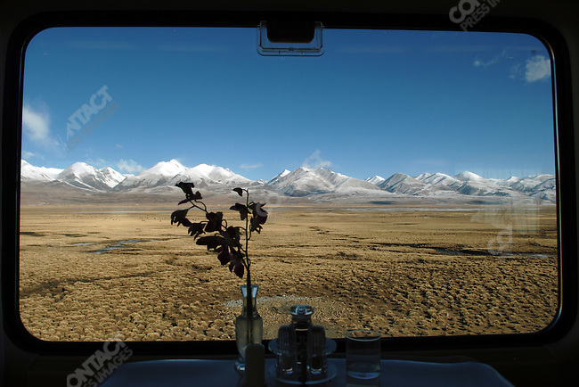 A view from the dining car of the Lhasa-Shanghai train as it headed north through the Tibetan plateau. November 17, 2006