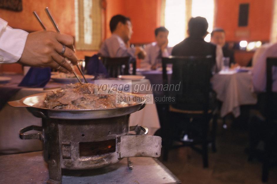 """Asie/Inde/Maharashtra/Bombay: Restaurant """"Bussaba"""" - Service"""