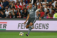 LOULE, PORTUGAL, 20.07.2017 - ALGARVE FOOTBALL CUP 2017: BENFICA x REAL BETIS - Luisao, jogador do Benfica, durante a partida de futebol a contar para o Algarve Football Cup 2017 entre Benfica e Real Betis, no Estádio do Algarve, em Louke, Portugal, nessa quinta 20. (Foto: Bruno de Carvalho / Brazil Photo Press)